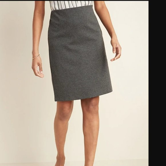 Old Navy Dresses & Skirts - Charcoal Gray ponte knit pencil skirt - size large